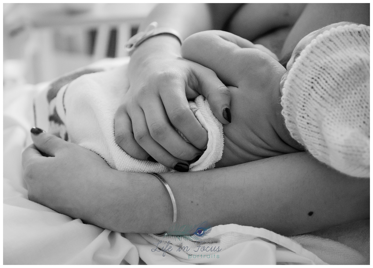 newborn baby birth photography fresh 48 Life in Focus Portraits birth photographer West Dunbartonshire RAH Paisley