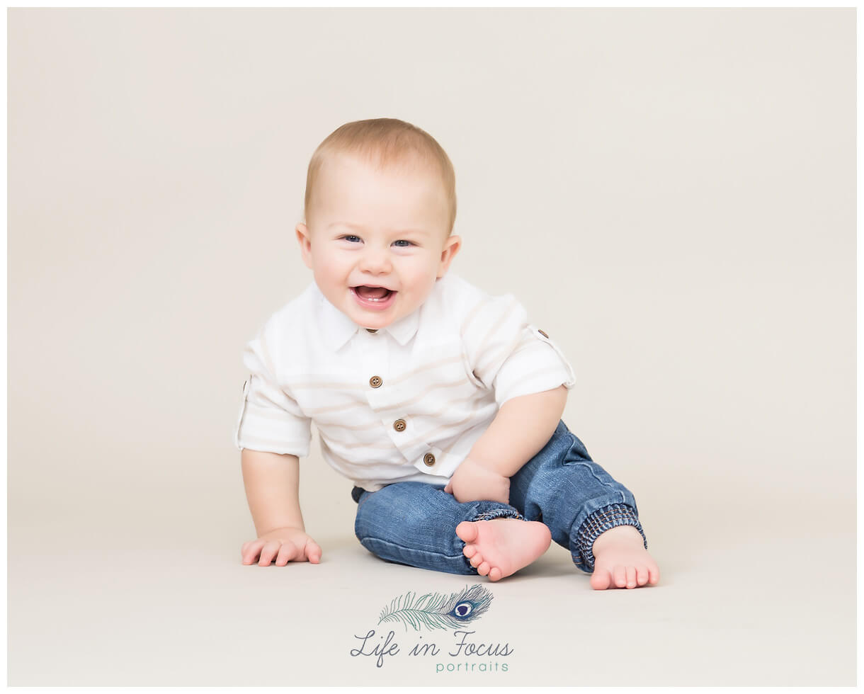 baby laughing little sitter session Life in Focus Portraits baby milestone photographer Helensburgh Alexandria Luss