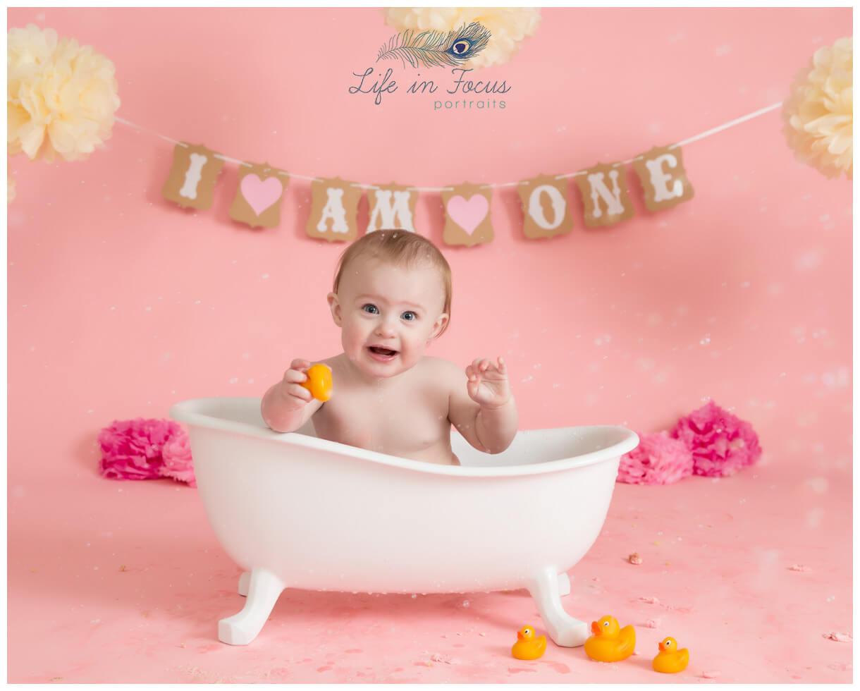 splashtime photo 1st birthday photoshoot Life in Focus Portraits Cardross baby photographer Dumbarton