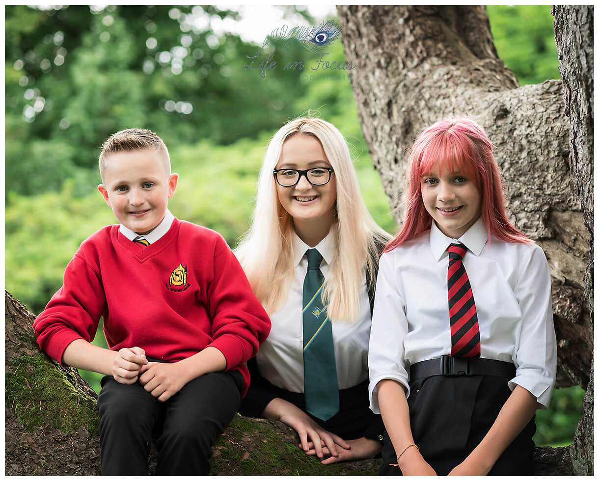 Outdoor school photos siblings Hlensburgh Dumbarton schools Life in Focus Portraits Helensburgh School photos